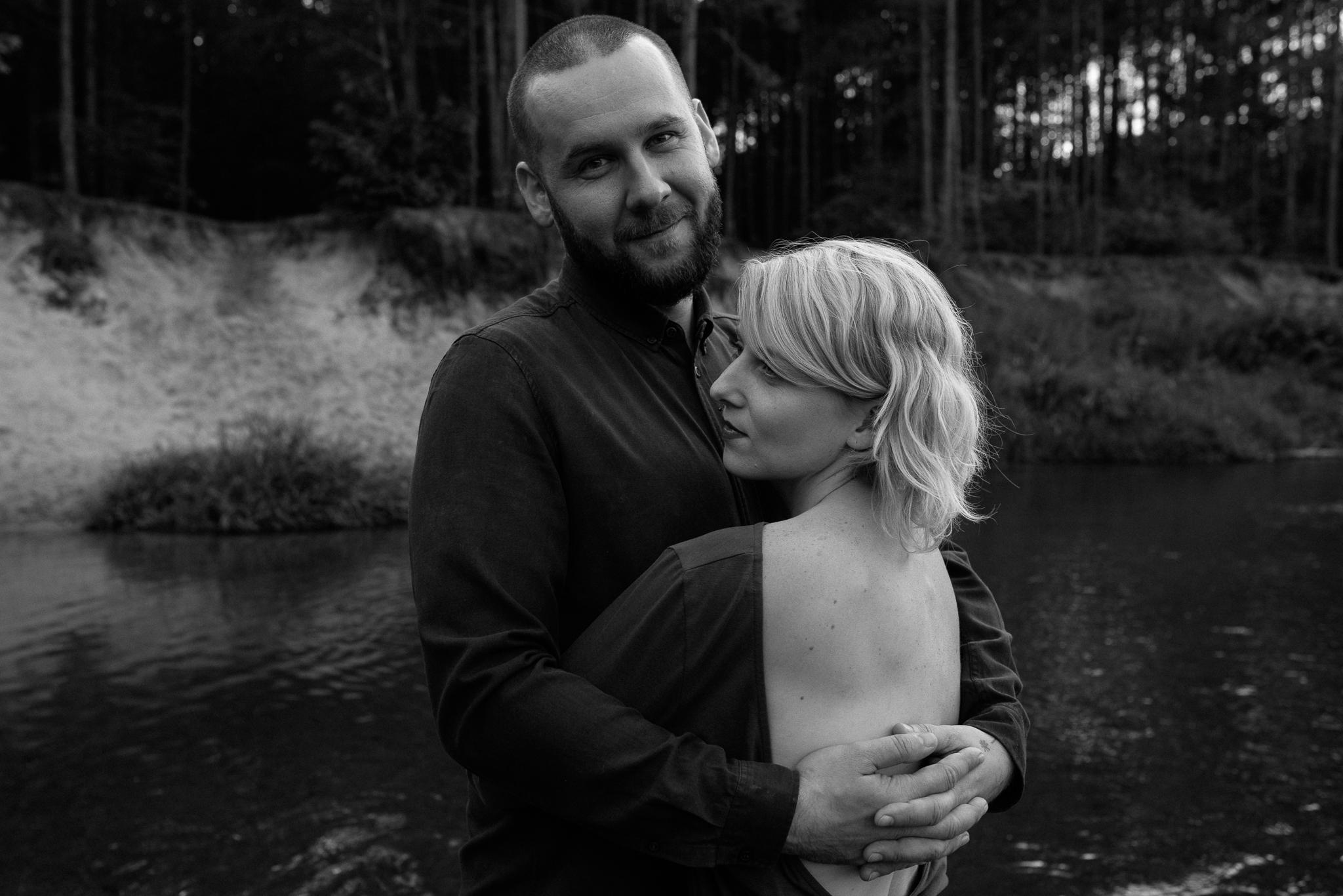 sesja poślubna rzeka-14