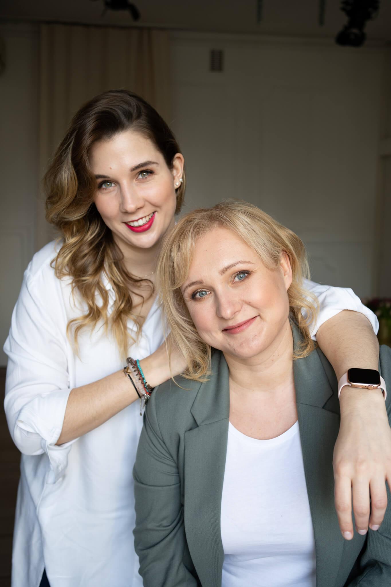 dwie kobiety w ujęciu biznesowym