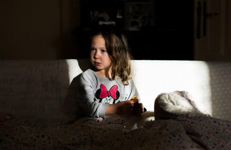 dziewczynka sesja rodzinna-mobile